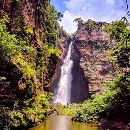 cachoeira-macapa-chapada-das-mesas